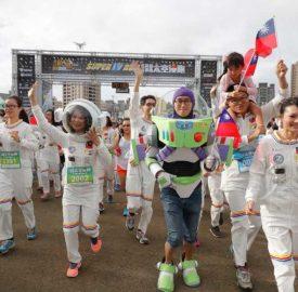 竹縣街頭出現太空人?原來是太空漫跑